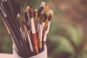 Защита авторских прав художников, разработка договоров на создание картин, сопровождение процедуры их продажи