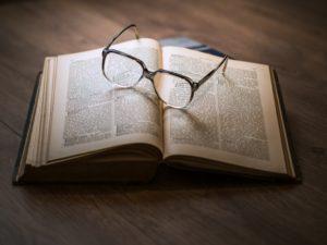 Защита авторских прав на литературные произведения - книги, рассказы, стихи, повести, романы, песни, разработка авторских договоров, лицензионных и издательских договоров