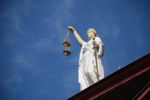 Судебные споры, судебные юристы, судебные процессы, правосудие, суд, исковое заявление, иск